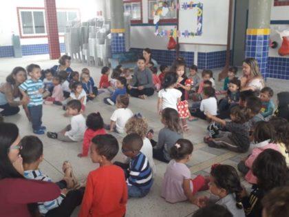 CEI Tia Helô promove aula de relaxamento para os pequenos