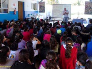 """""""Mergulho no Pirão"""" terá 42 apresentações na Rede Municipal de Ensino"""